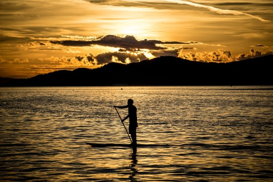 paddle-board-1122355_1920.jpg